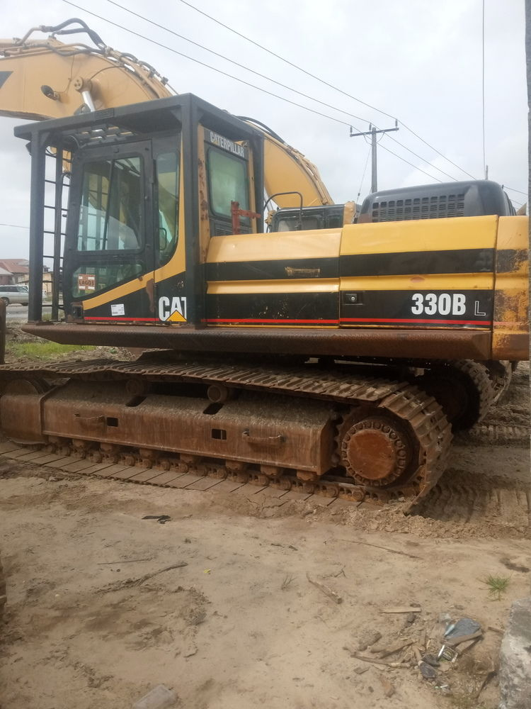 Excavator 330BL to sell