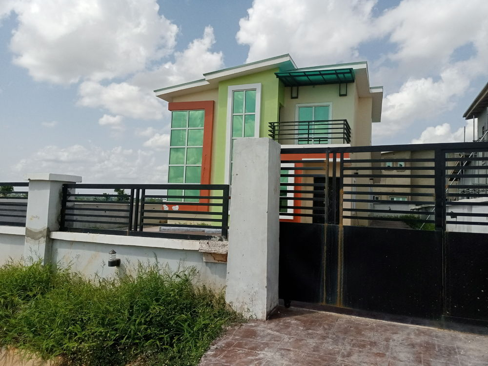 2 Bedroom Terrace Bungalow for sale