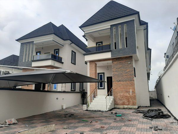 4 Bedroom House for Sale at Thomas Estate Ajah