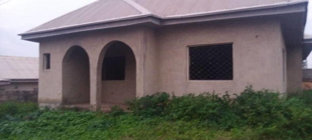 4bedroom for sale at apete Ibadan oyostate