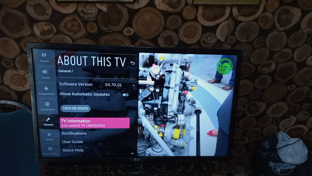 UK fairly used LG 32 inches smart TV with Bluetooth