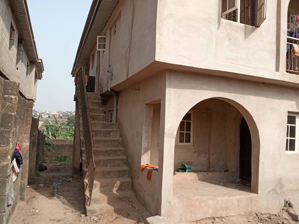 Block of 4 units of 2-bedroom flat